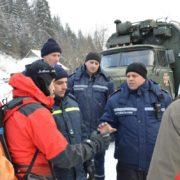 Рятувальникам вдалося спустити до підніжжя усіх туристів, котрим вдалося вижити на Попі Івані (фотофакт)