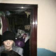 В Івано-Франківську жінка зробила з квартири сміттєзвалище. ФОТО