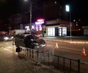 У Франківську на пішохідному переході збили чоловіка(ФОТО)