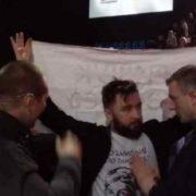 """""""Тримали його за плечі та не давали встати"""": На форумі Порошенка виник конфлікт з активістом"""