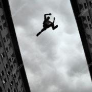 В Івано-Франківську голий чоловік вистрибнув з вікна(оновлено)