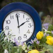 Спати на годину менше: українцям нагадали про перехід на літній час