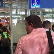 Щоразу після Європи мені сумно, іноді починаючи з літака. Хоч не літай туди щоб за наших не було так соромно