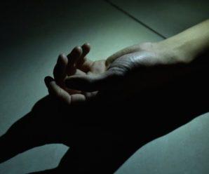 На Прикарпатті за зачиненими дверима квартири знайшли тіло чоловіка