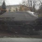 З'явилося відео ДТП у Франківську, в якій водій збив жінку з дитиною на переході (ВІДЕО)