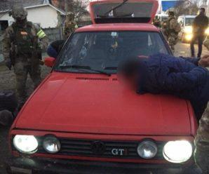 Двоє жителів Прикарпаття напали на жінку, зв'язали її та погрожували вбити (ФОТО)