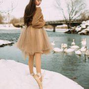 Калушанка відзняла вражаючу фотосесію з танцівницею та лебедями (фото)
