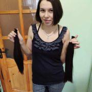 Калушанка обрізала волосся, щоб допомогти онкохворим дітям. ФОТО