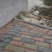 Бруківка вже просіла. Як ведеться будівництво фонтану у Калуші