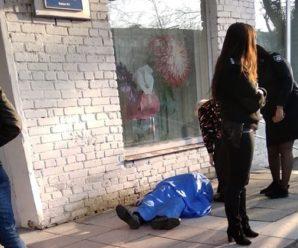 Трагедія у Львові: на виборчій дільниці після голосування помер чоловік (фото)
