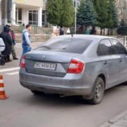 Не помітив пішоходів на переході: Автомобіль переїхав 15-річних школярів