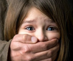 На Прикарпатті жінка підозрює 44-річного співмешканця в розбещенні її дитини