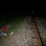 На Прикарпатті чоловік випав із вагону поїзда і загинув на місці