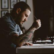 Дослідження: мозок творчих людей заважає їм заробляти