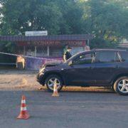 На Прикарпатті водій позашляховика збив 20-річну дівчину
