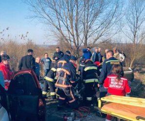 Лобове зіткнення. У смертельній ДТП на Прикарпатті загинула 26-річна пасажирка. ФОТО+ВІДЕО