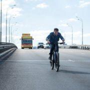 """Зеленський: Я можу їздити на велосипеді. Ви хочете, щоб мене """"грохнули""""?"""