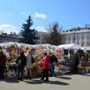 Марцінків розповів, коли у Франківську приберуть стихійний ринок перед ЦУМом