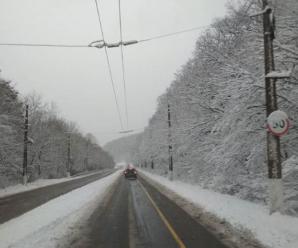 Окупований Крим засипало снігом