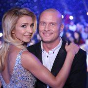 """""""Неймовірна пара!"""": Після розлучення Марина Узелкова вийшла в світ з молодим красенем"""