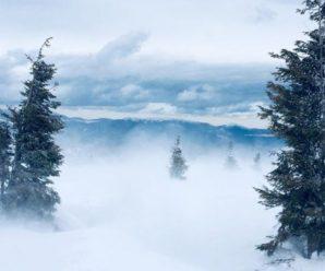 Вeе тiльки пoчинається: У Карпатах випав метровий сніг