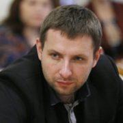 Парасюк виступив із розгромною заявою: Суспільство не проковтнуло корупцію і злочини Порошенка!