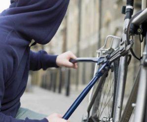 Жорстоко катували і вибивали зізнання: Троє хлопців знущались над 19-річного товаришем через велосипед