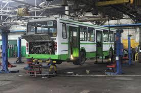 Впав автобус під час ремонту: на Львівщині трагічно загинув чоловік