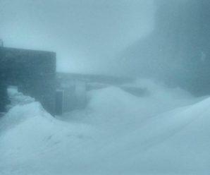 Травневий сніг почав засипати гори в Карпатах (ФОТО, КАРТА)