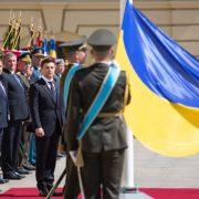Президент Зеленський зробив потужну заяву про армію: зробити в першу чергу