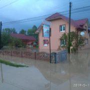 У мережі з'явилось відео затопленого Прикарпаття