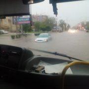 Зливи в Калуші затопили десятки автівок. ВІДЕО