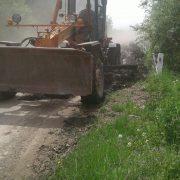На Прикарпатті кілька доріг заблокувало камінням, яке нанесла вода (ФОТО)