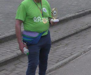 З Івано-Франківська до Долини. У день 60-річчя спортсмен-ветеран пробіг 60 кілометрів