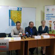 Тренінги та майстер-класи: у Франківську розпочався фестиваль сім'ї (ФОТО)