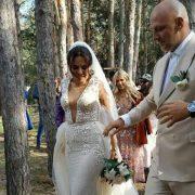 Хто зловив весільний букет Насті Каменських: кумедне відео
