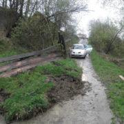 На Прикарпатті стався зсув ґрунту на дорогу