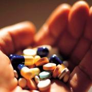 Хотіла схуднути: 13-річна дівчинка потрапила у реанімацію через невідомі таблетки