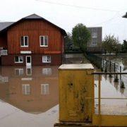 На Прикарпатті унаслідок потужних дощів підтопило понад 300 будинків(ФОТО)