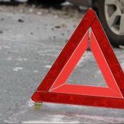 На Прикарпатті чоловік збив пішохода і залишив на дорозі