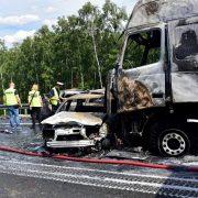 У Польщі зіткнулися і загорілися сім автомобілів, шестеро загиблих