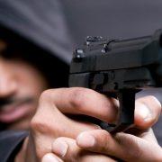 У Франківську в чоловіка кілька разів вистрелили з пістолета