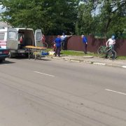 ДТП на Прикарпатті: велосипедиста забрала швидка (фотофакт)