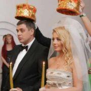 Українська співачка Тіна Кароль зворушливо вшанувала коханого у річницю весілля(відео)