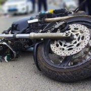 На Косівщині мотоцикліст збив літню жінку