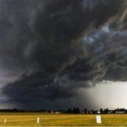 Погода змінюється: з 27 червня в Україну приходить пoтужний циклон