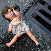 Дитячий фотограф-педофіл: чоловік зґвалтував 2-річну дитину