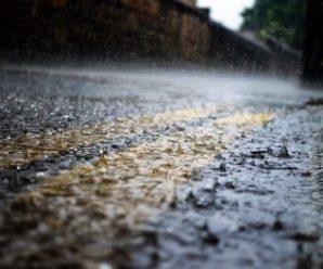 Грози, град та сильний вітер: Прикарпатців попереджають про зміну погоди