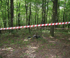 На Прикарпатті у лісі знайшли тіло чоловіка, який зник напередодні