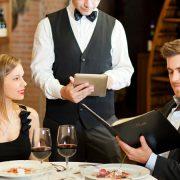 У Франківську офіціант прирівняв відвідувачів до поросят
